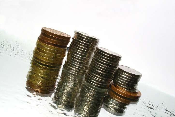 Velmi nutně a rychle sháním půjčku ve výši 150 tisíc (150000 Kč), splácet mohu měsíčně až 7 tisíc měsíčně.