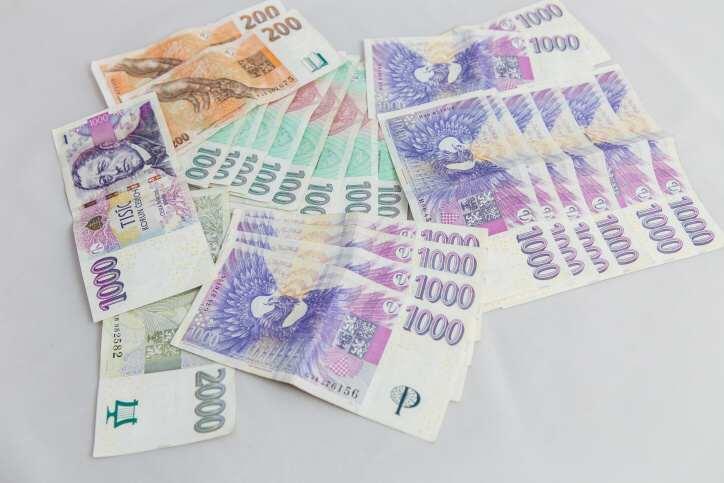 Ráda bych zde požádala o poskytnutí půjčky 150000 Kč. Potřebovala bych, aby se jednalo o půjčku vhotovosti