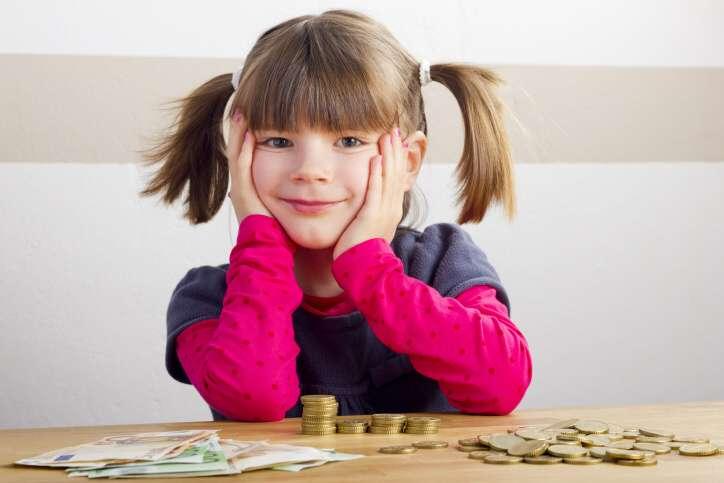 Dobrá půjčka pro ženy na mateřské nebo rodičovské nabízí až 100 000 Kč. Peníze můžete dostat i bez ručitele a bez zástavy. Buď do 24 hodin na účet v bance, nebo v některých městech i v hotovosti na ruku. Půjčka není jenom pro matku samoživitelku, ale pro jakéhokoliv zájemce.