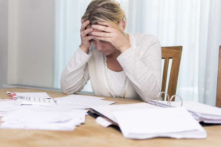 Hledám půjčku 200 000 Kč na 3 měsíce. Může to být i půjčka na směnku, ale preferuji vyplacení peněz v hotovosti. Peníze bych vrátila ihned, jakmile soud dořeší majetkové vyrovnání po rozvodu.